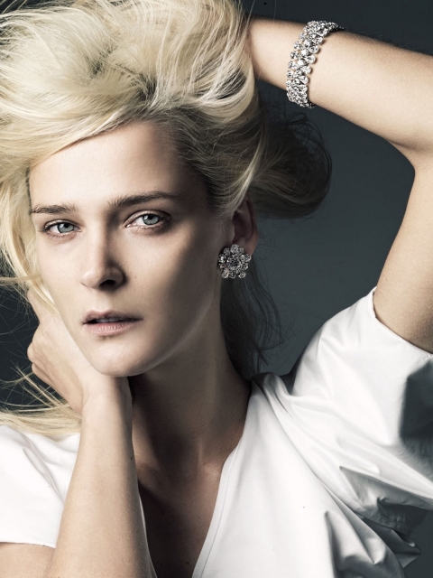 makeup-advertising-danelian-diamonds-carmen-kass